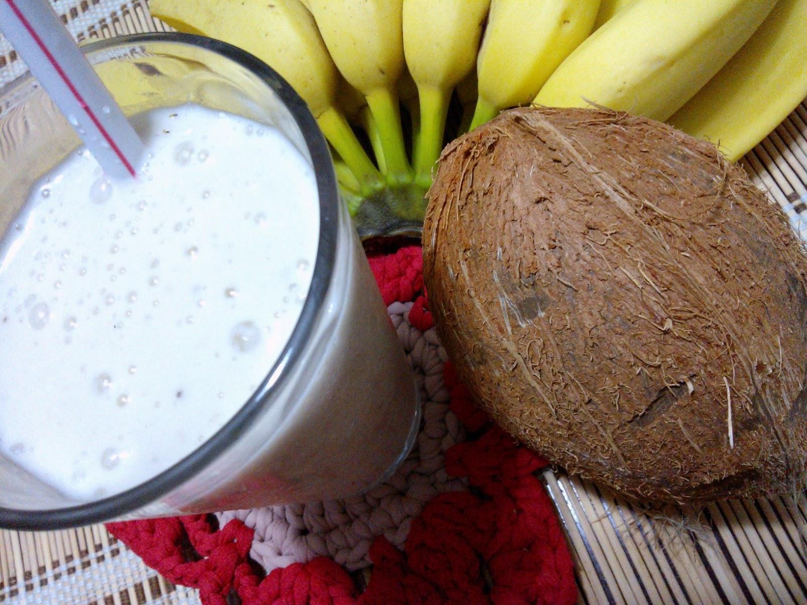 Frapê de banana com leite de coco