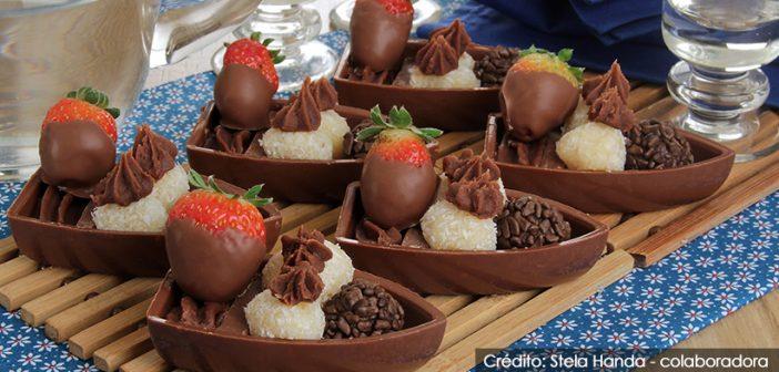 Barquinha de chocolate com docinhos